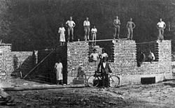 Gradnja doma 1951.
